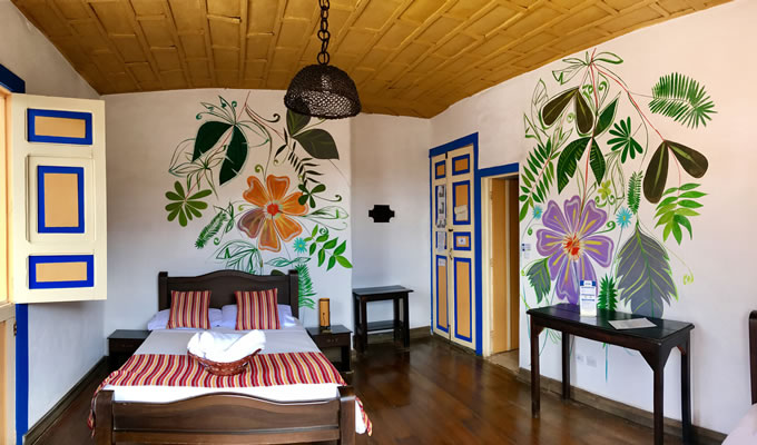Hostal with Family Room