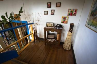 salento-colombia-ciudad-de-segorbe-hostels-salento-adornos-balcon