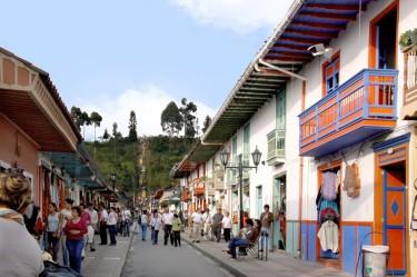 salento-colombia-ciudad-de-segorbe-hostels-salento-streets